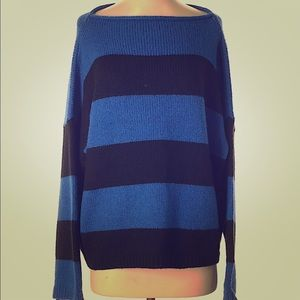 Ann Taylor. Pullover sweater. Excellent condition.
